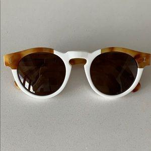Illestiva sunglasses. Leonard.